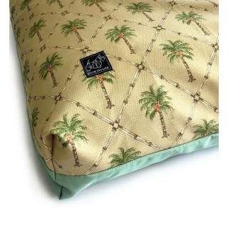 Bow House Muttress Hawaiian Pet Bed